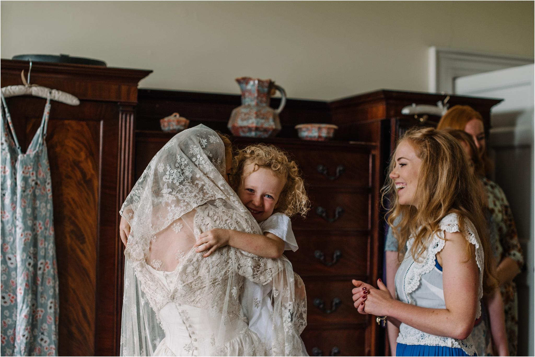 Outdoor-country-wedding-Edinburgh-photographer__0028.jpg
