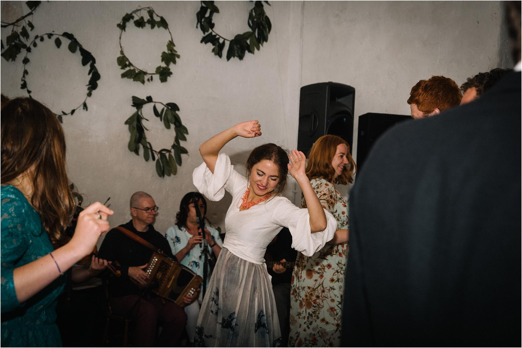 Outdoor-country-wedding-Edinburgh-photographer__0091.jpg