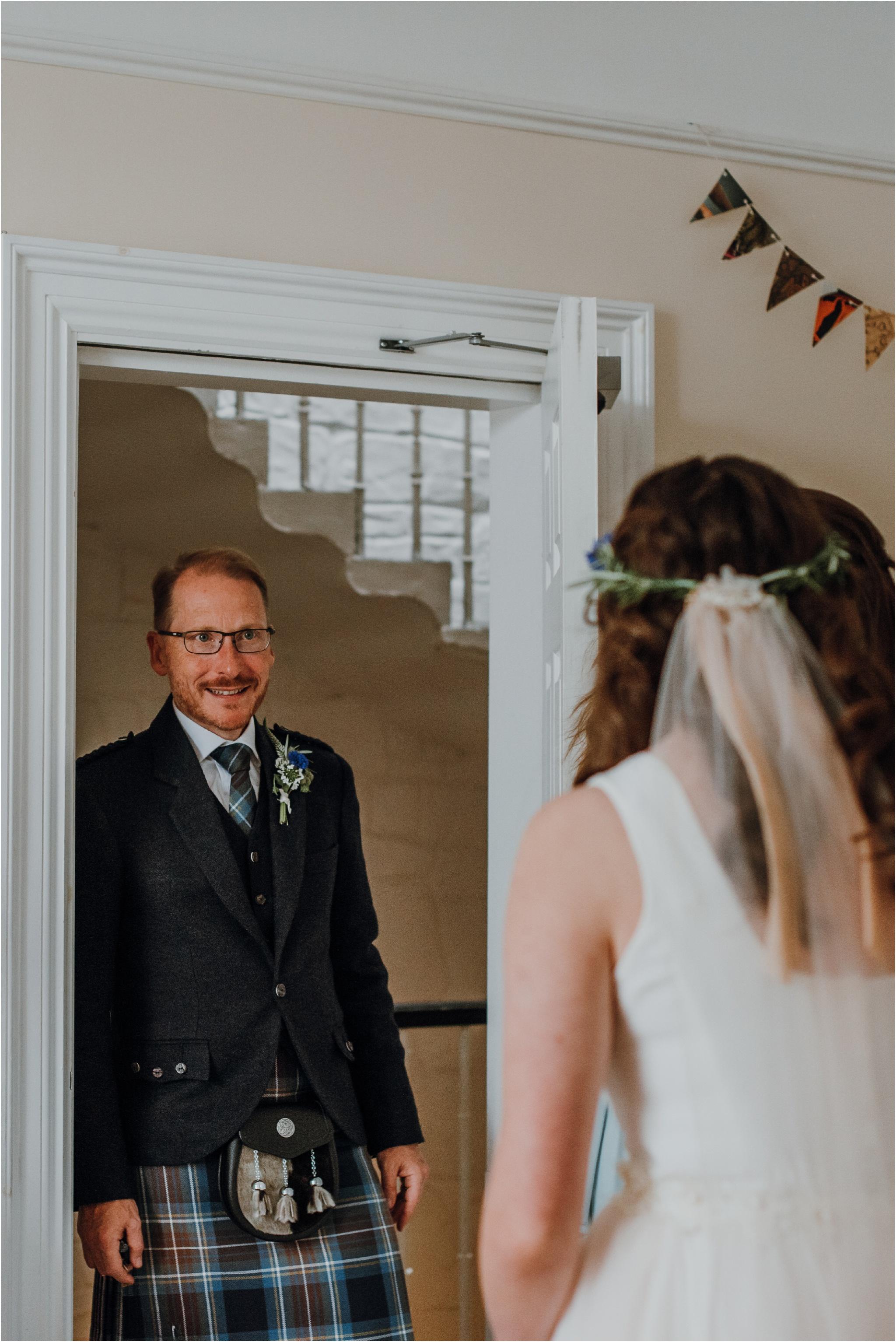 Edinburgh-barn-wedding-photographer_20.jpg
