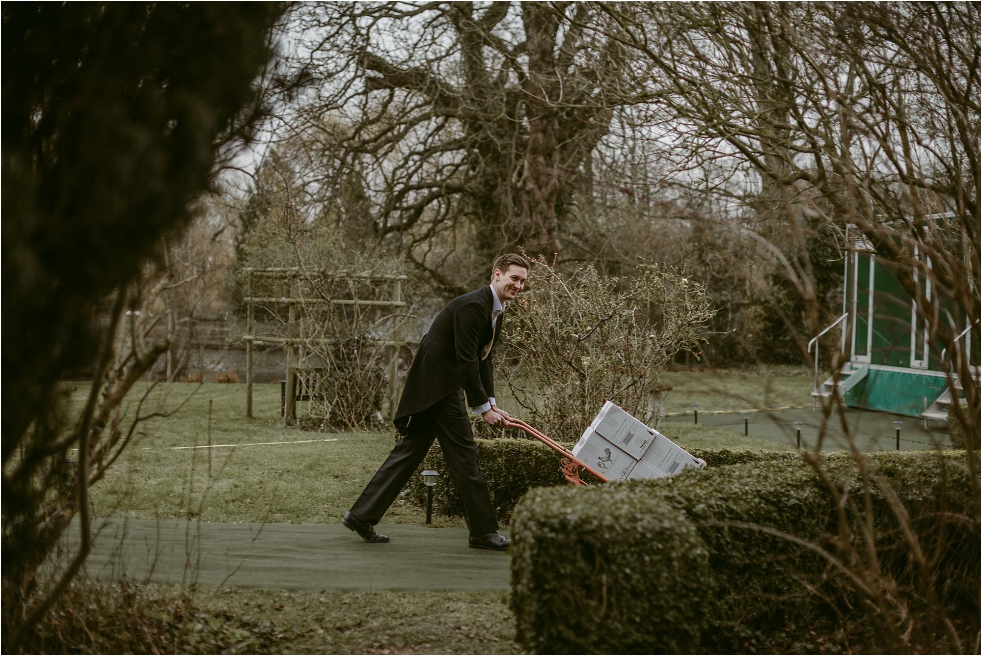 Rose+Harry-outdoor-english-wedding-photography__0018.jpg