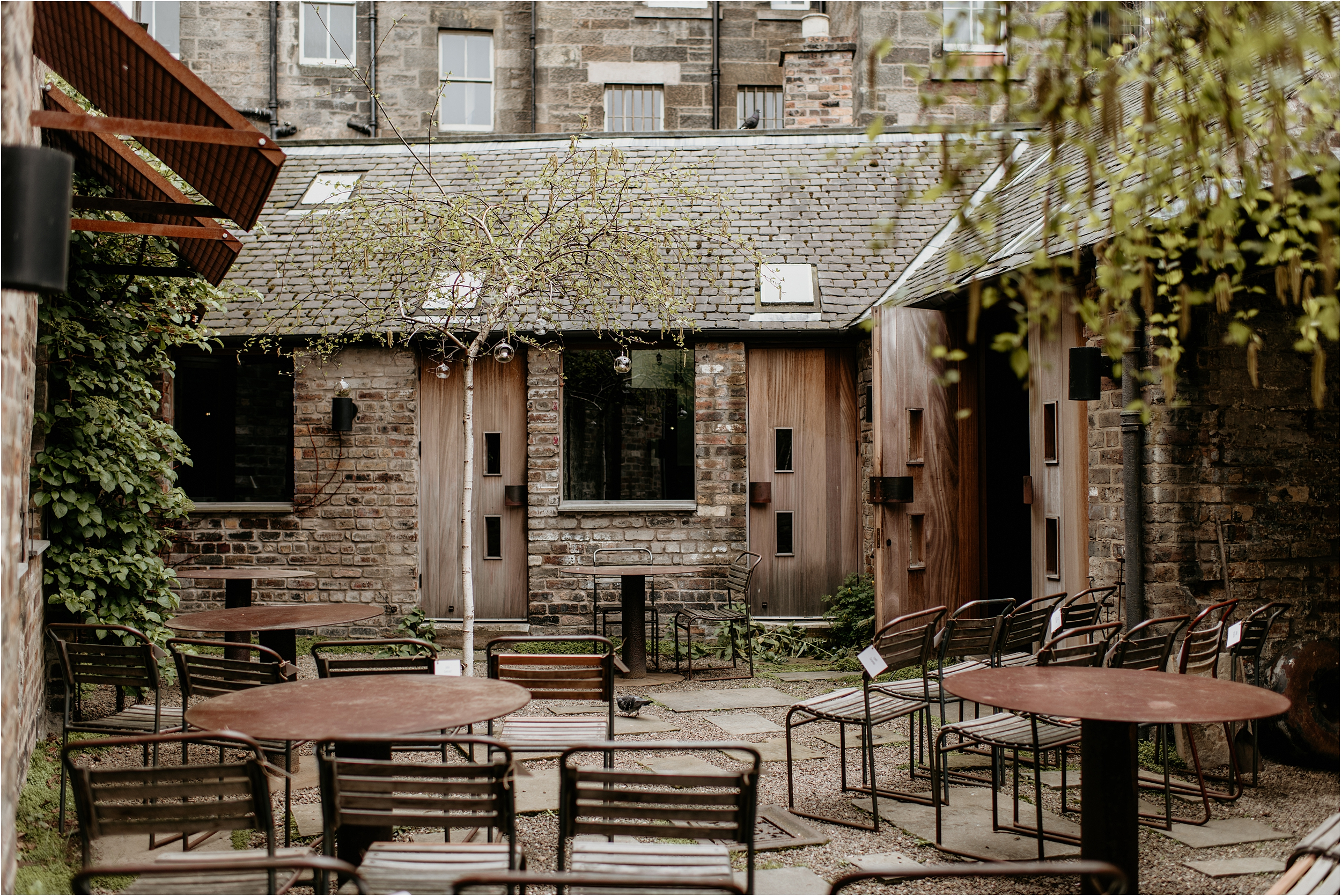 Timberyard-Edinburgh-wedding-photography__0007.jpg