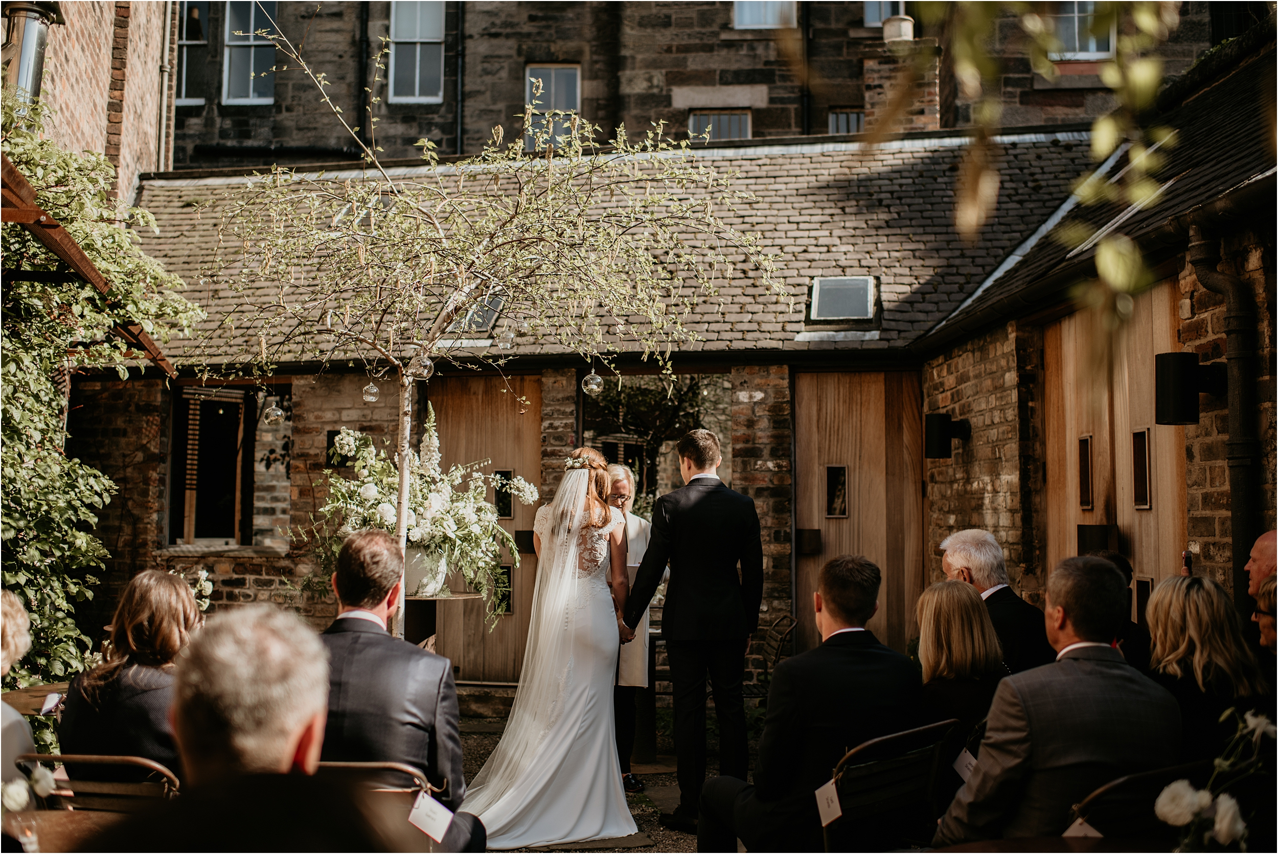Timberyard-Edinburgh-wedding-photography__0049.jpg