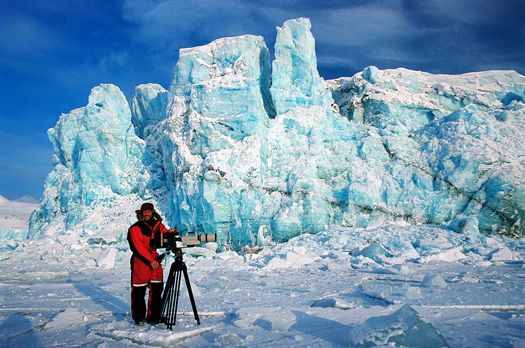 Doug-Allan-filming-at-glacier.jpg