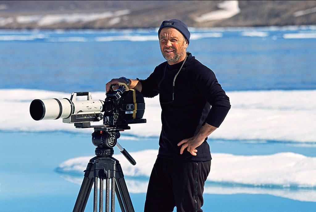 Doug-Allan-films-in-the-Arctic.jpg