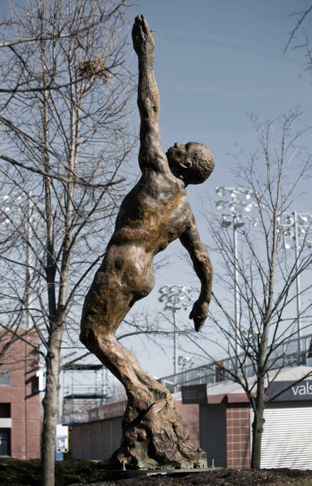 Soul in Flight, 2000, Bronze 175 1/2 x 68 x 50 in