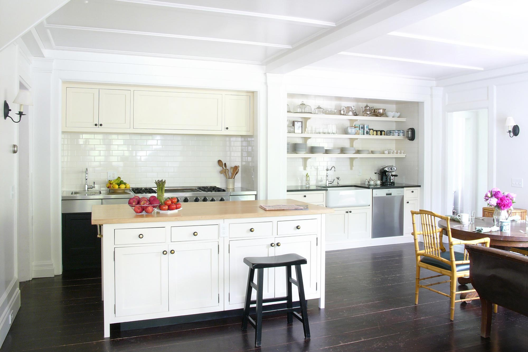 T-kitchen-from-family.jpg