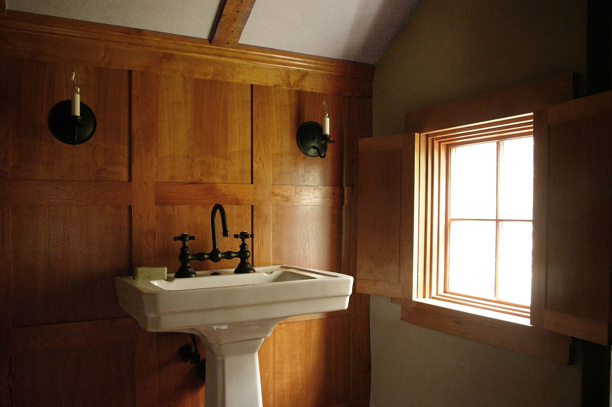 R-cottage-bathroom-sink-x.jpg