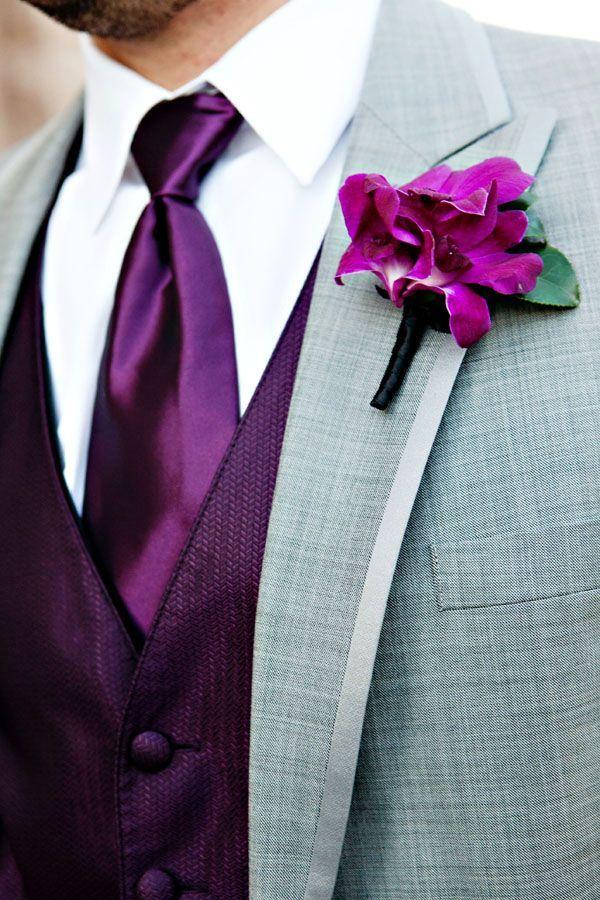 d26fe633b07584595bd440a5183c2735--groomsmen-boutonniere-groomsmen-suits.jpg