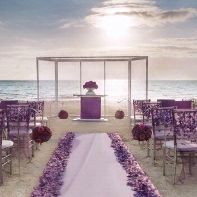 6334dc9ab2754e6f25c0677a449120fc--purple-beach-weddings-dark-purple-wedding.jpg
