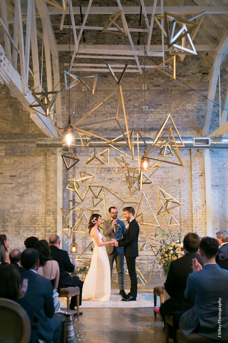 18f1fe047c8328581cf41575aaa2f9be--hipster-wedding-ideas-hipster-bride.jpg