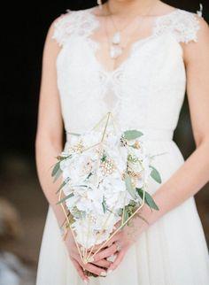 ff504b87834aa8d67c5cc74739804232--bridal-brooch-bouquet-brooch-bouquets.jpg