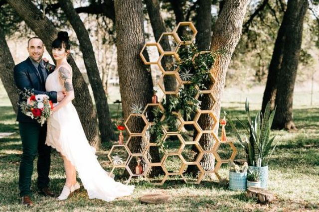 09-stacked-hex-backdrop-with-air-plants-and-succulents-for-a-quirky-look.jpg