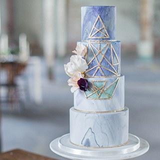 blogs-aisle-say-modern-geometric-wedding-cake-320.jpg