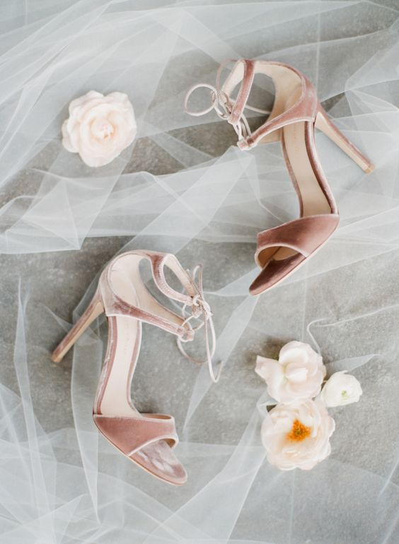 10-blush-velvet-wedding-shoes-will-make-you-feel-cozy-and-bring-a-texture-to-your-winter-bridal-look.jpg