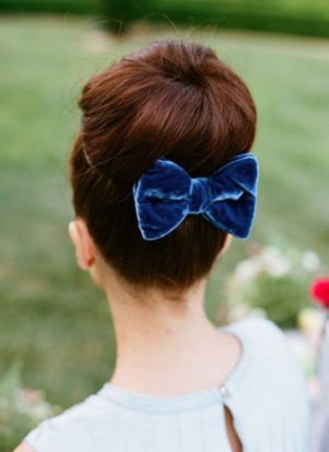 14-a-blue-velvet-bow-for-the-bridal-hairstyle-will-add-a-cute-girlish-touch-to-your-look.jpg