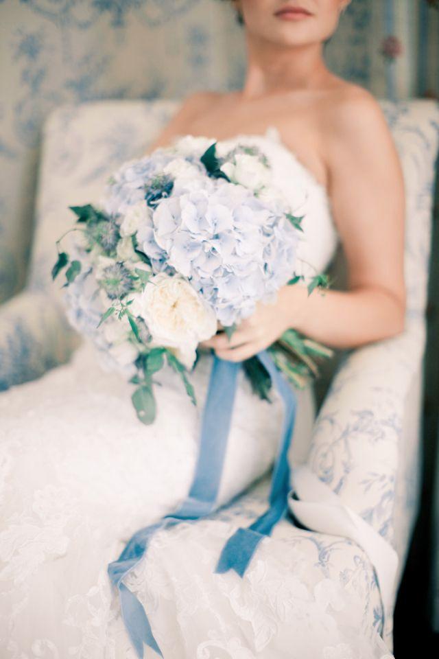 94e7a7e61ba2f02b7bc3e0af56c6abd5--blue-wedding-bouquets-wedding-colors.jpg