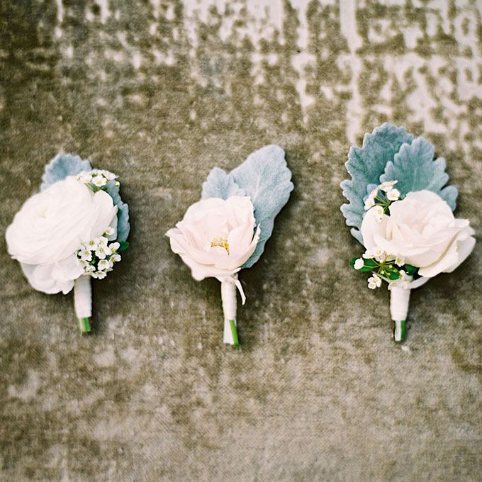 3077d5a3712f69acd37ebd3a92cac042--groomsmen-boutonniere-wedding-boutonniere.jpg