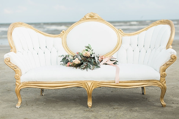 white-velvet-wedding-sofa.jpg