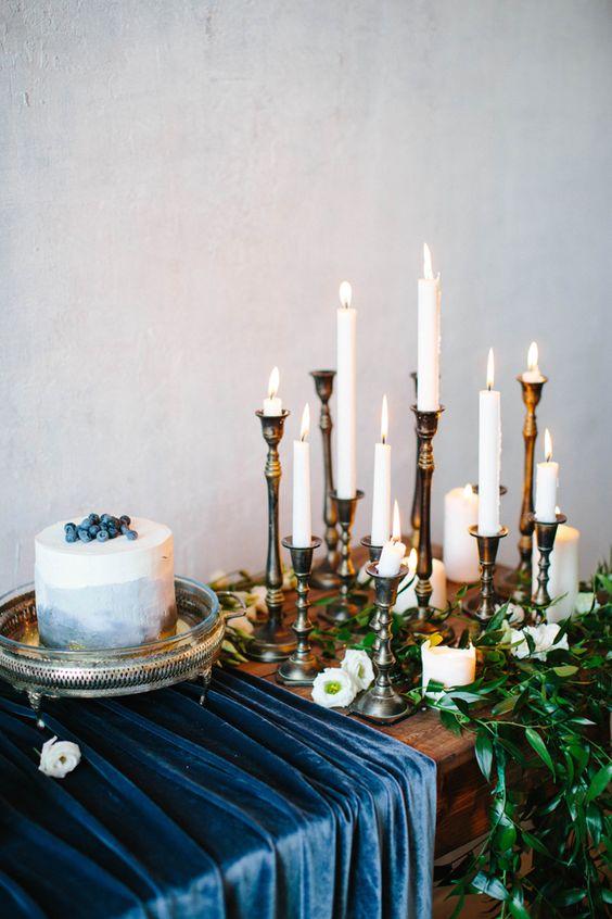 26-navy-velvet-table-runner-for-the-cake-table-echoes-with-the-blueberry-cake (1).jpg