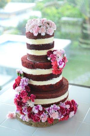 red-velvet-naked-cake.jpg