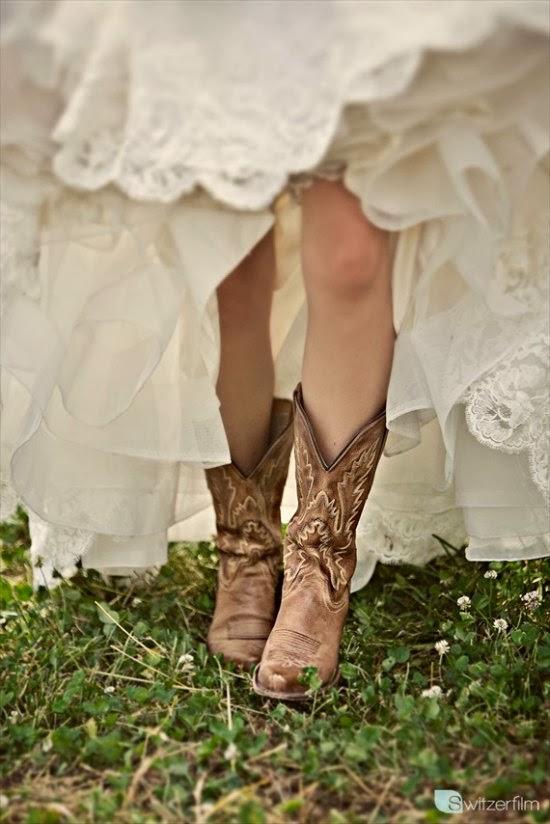 novias con botas 1.jpg