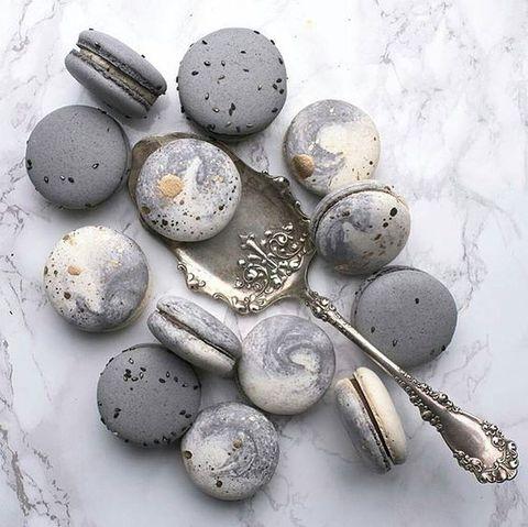 grey-marbled-macarons.jpg