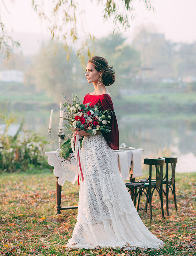 19-bridal-separate-with-a-lace-skirt-and-a-red-shirt.jpg