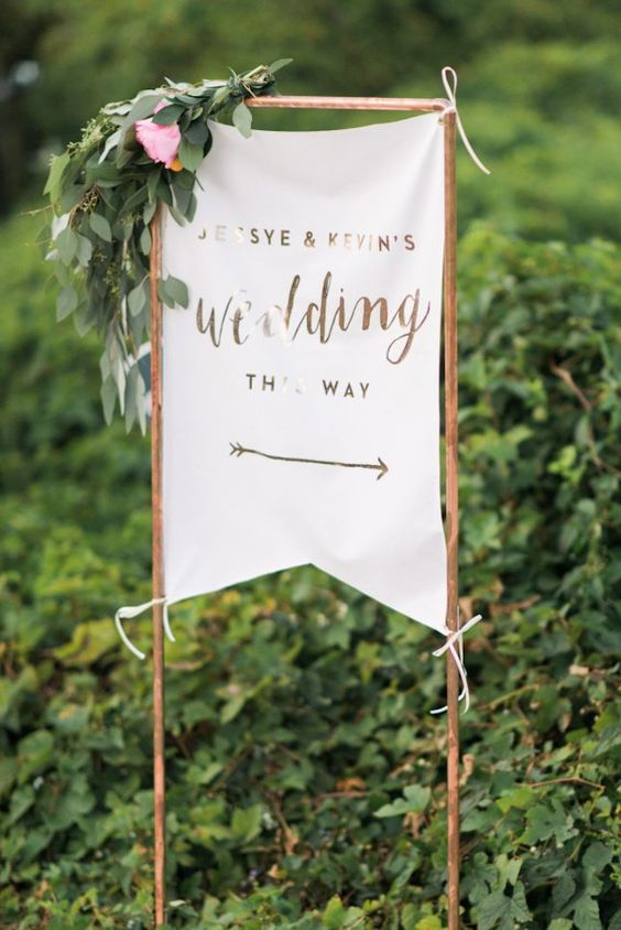 24-copper-wedding-sign-decorated-with-flowers.jpg