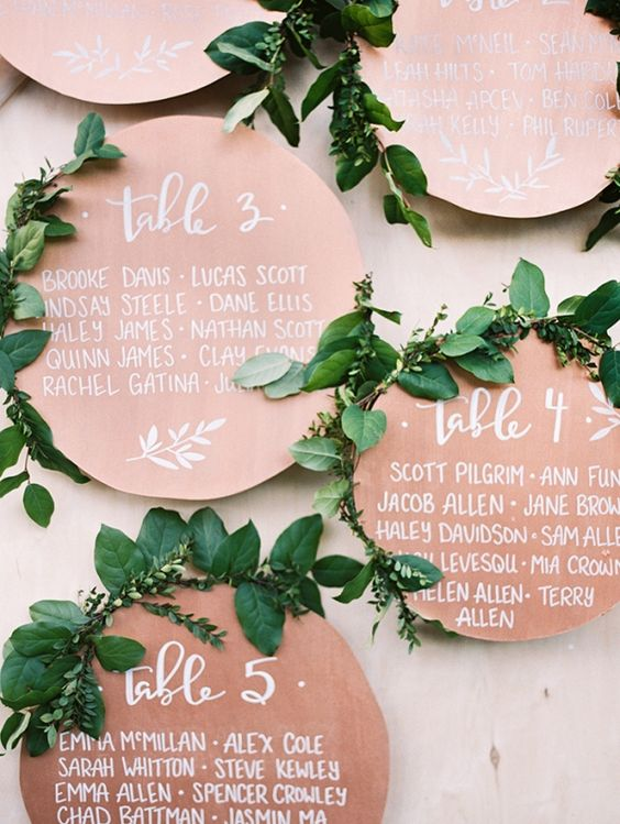 21-copper-seating-circles-with-wwhite-calligraphy-look-very-elegant (1).jpg