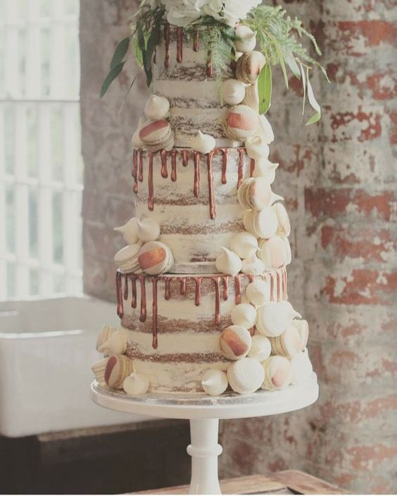 40-semi-naked-copper-drip-wedding-cake-with-vanilla-and-coffee-macarons-and-meringue-kisses.jpg