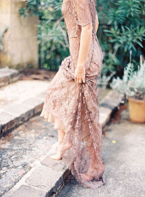 07-copper-lace-wedding-dress-is-a-cool-way-to-stand-out (1).jpg