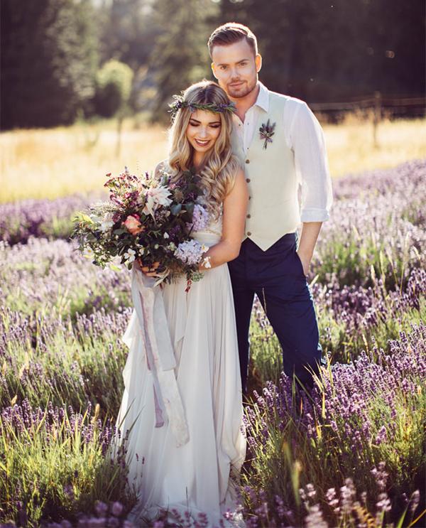 Bohemian-Wedding-Natural-Photo-by-Rivkah-Photography-by-Rebecca-Carroll-Source-Boho-Weddings.jpg