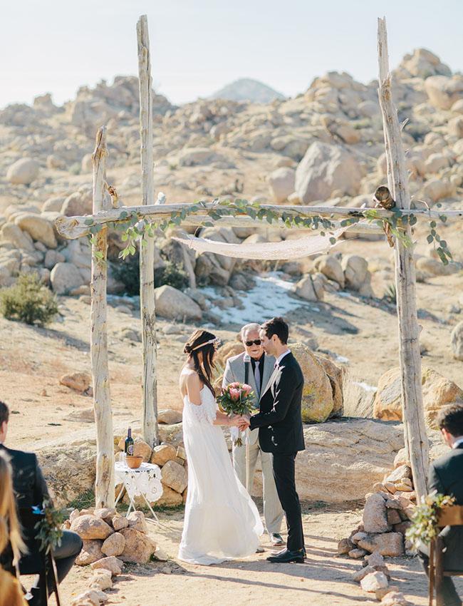 bohowinterdesert-wedding-12.jpg