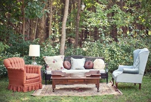 eclectic_outdoor_wedding_seating.jpg