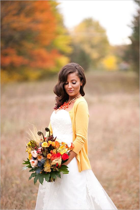 26-a-yellow-cardigan-for-a-comfy-and-casual-look-a-bouquet-with-matching-blooms.jpg
