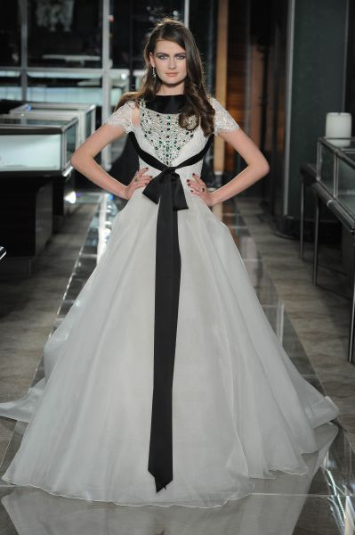 Beautiful-Reem-Acra..jpg