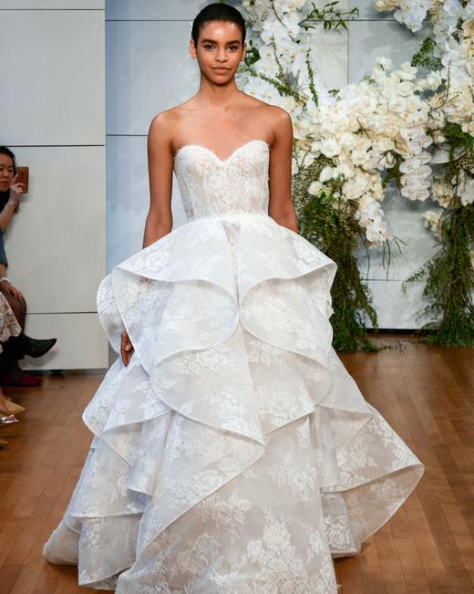 monique-lhuillier-wedding-dress-spring2018-60339053-008_vert.jpg