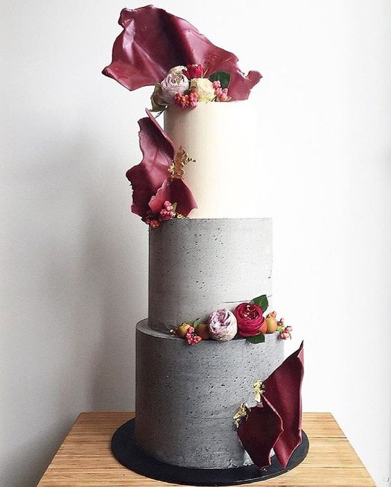 37-bold-concrete-cake-with-red-bark-decor.jpg