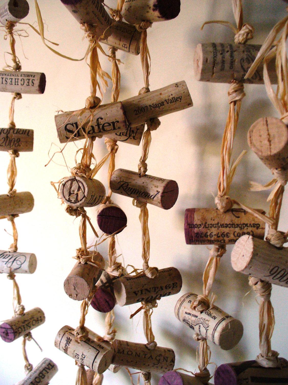 curtain-from-wine-bottle-corks (1).jpg