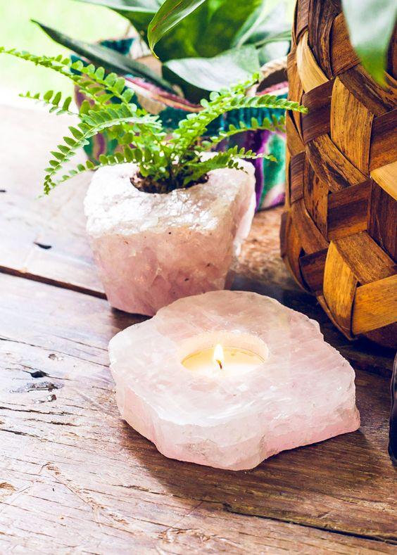02-rose-quartz-slab-candle-holder-looks-gorgeous-and-refined.jpg