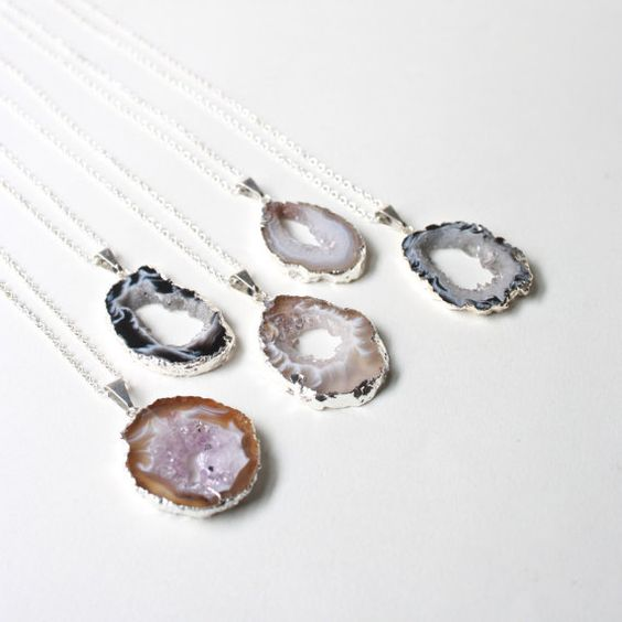 32-agate-slice-necklaces-for-bridesmaids-and-maybe-the-bride-herself.jpg