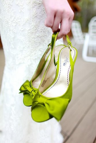 7f775134506426725171a4093f9938a4--green-heels-lime-green-shoes.jpg