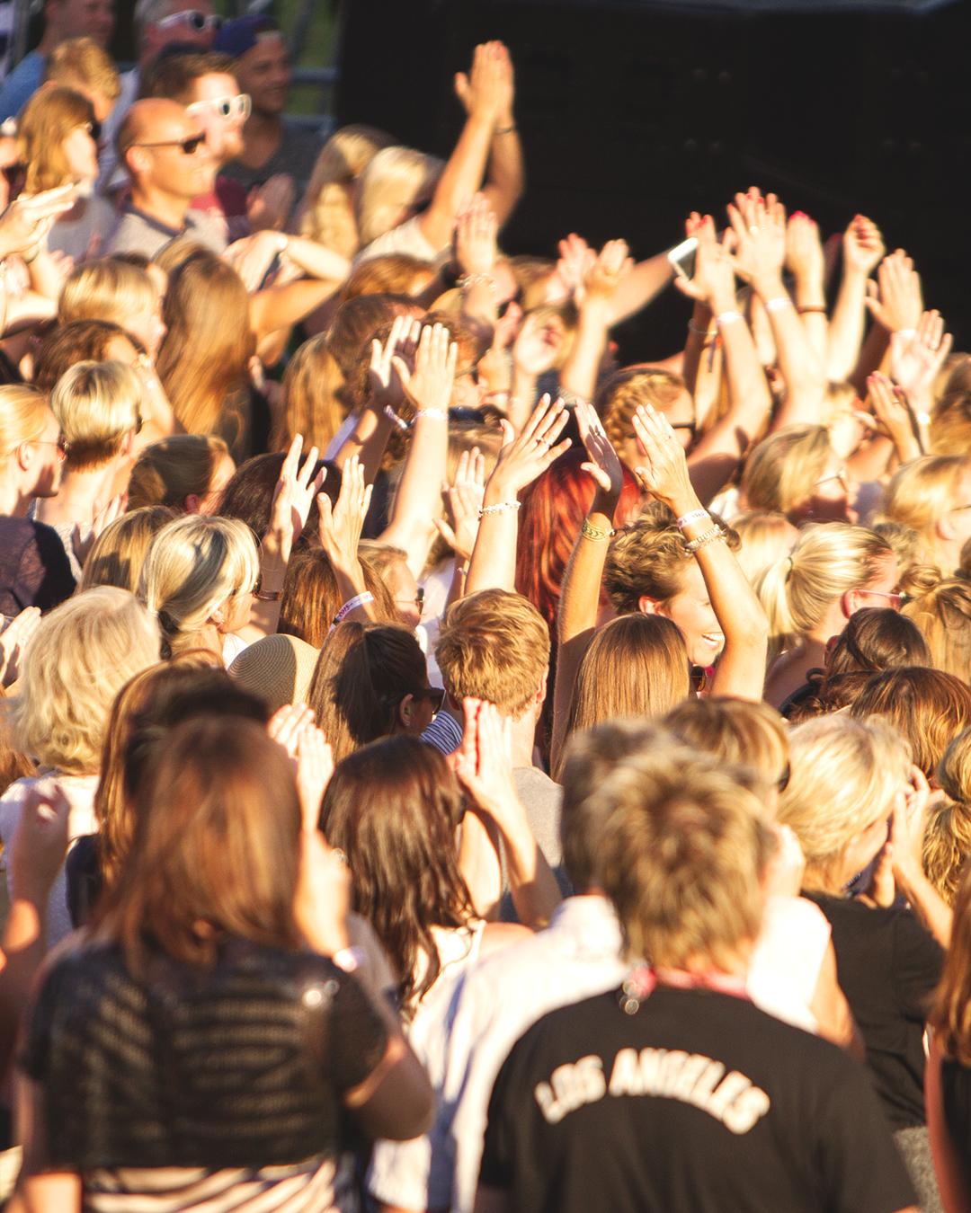Fornebu Sparebanks Musikkstipend - Fornebu Sparebank ønsker å gi et bidrag til unge musikalske utøvere i vårt lokale områdeStipendet vil bli gitt til unge utøvende musikere. Vårt håp er at bidraget skal motivere til videre utvikling av unge, lokale talenter som ønsker å satse på musikk. Søkerne kan være selvstendige eller en del av et band/gruppe.Årlig pott for stipendet er kr 50.000 kroner, og kan deles ut til èn eller flere.