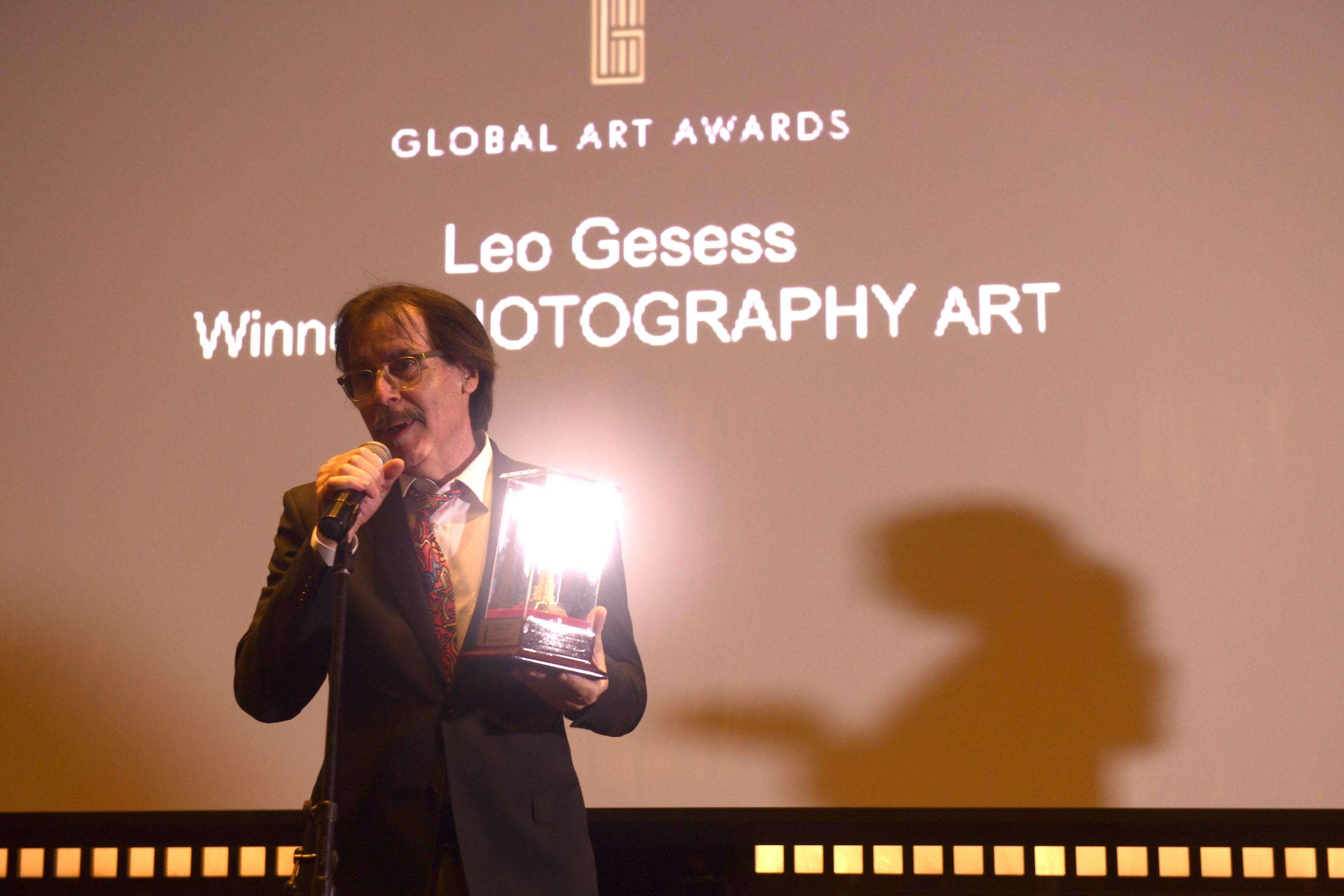 PHOTOGRAPHY ART AWARD   LEO GESESS (SWITZERLAND)