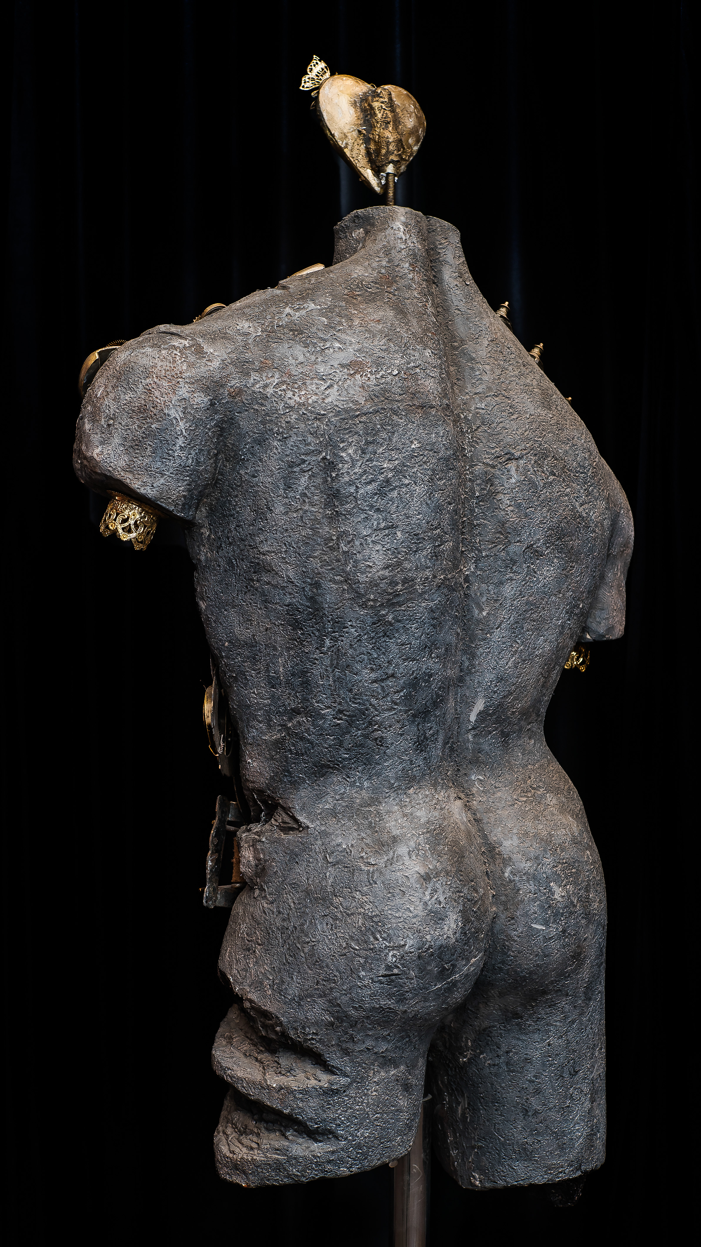 Back posture of the Sculpture.jpg