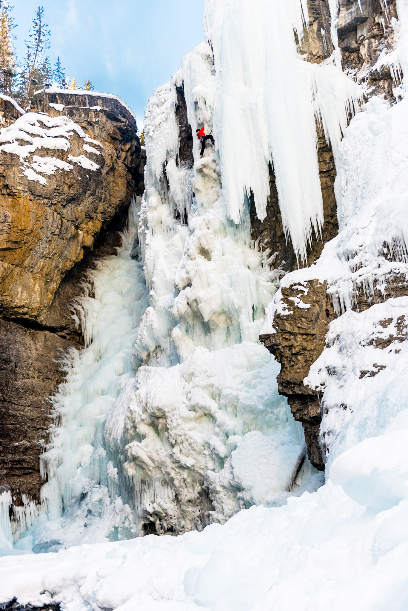 Chelsea Czibere - January 25, 2019 - Johnston Canyon-23.jpg