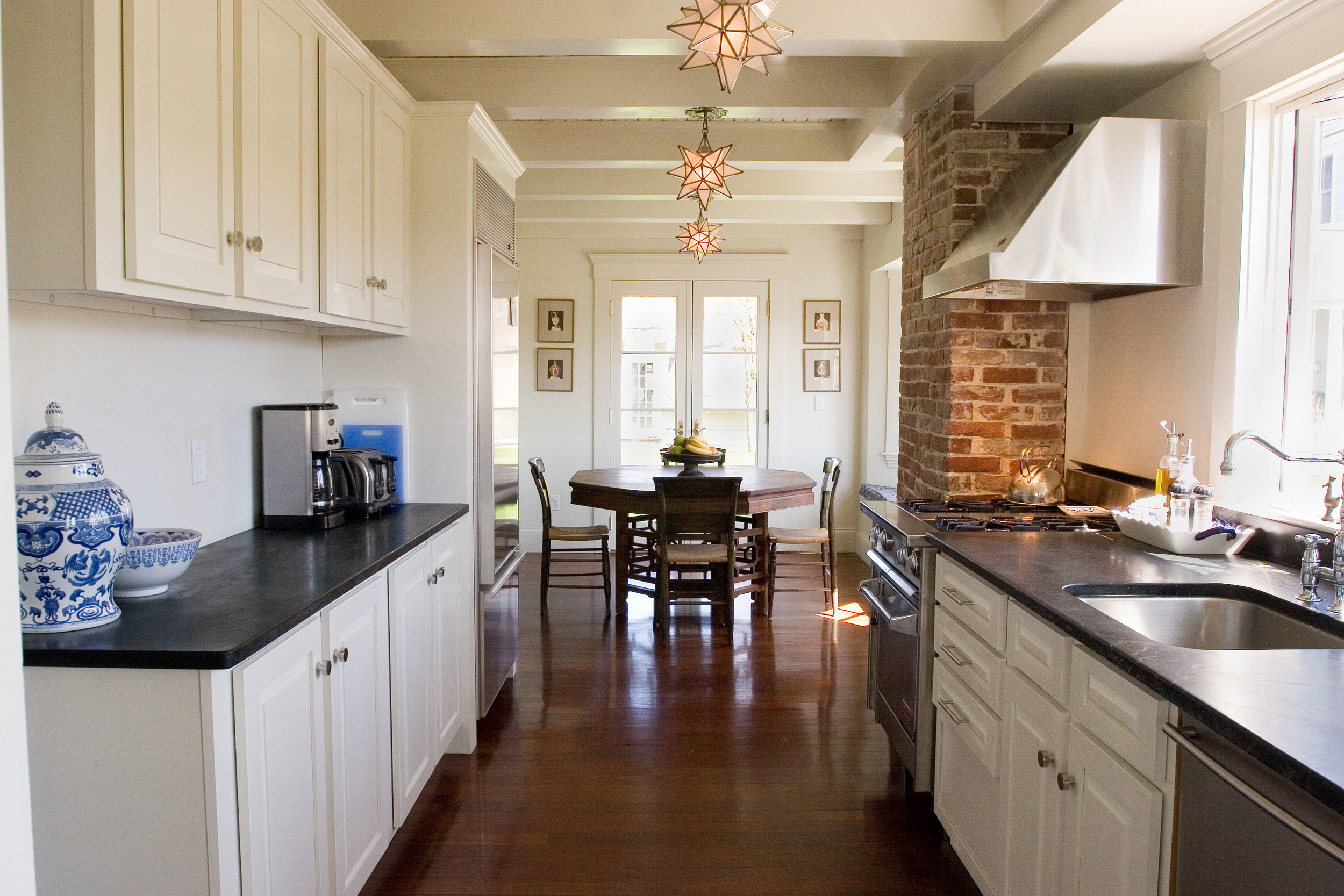 15 Kitchen to Dining Area.jpg