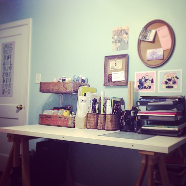 Still have a long way to go but it's starting to feel like home 🎨💖👯 #workspaceporn #homestudio #artlove
