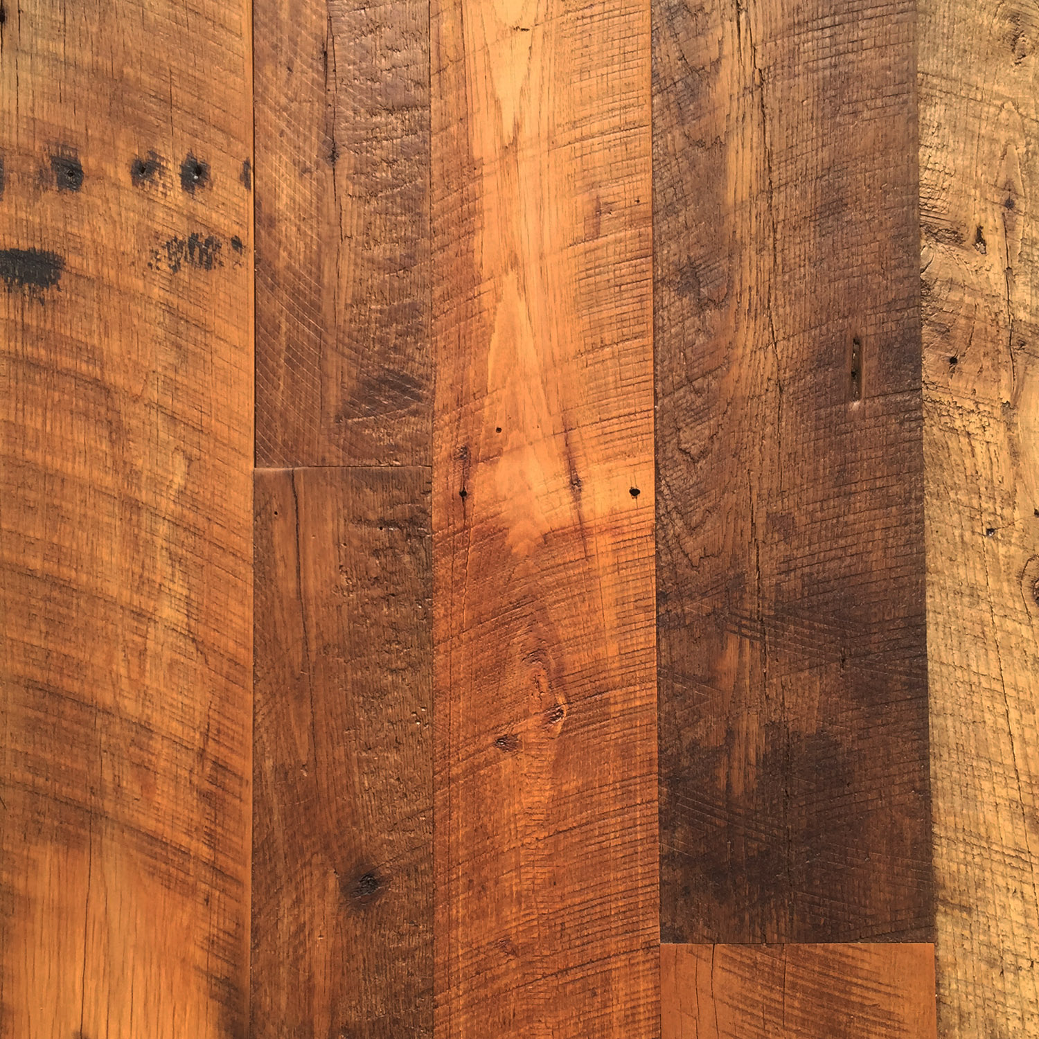 hbb-web_flooring_456-dirtytop-oak.jpg