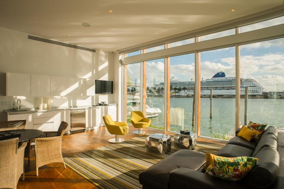 30 Palm Ave Palm Island Luxury Home